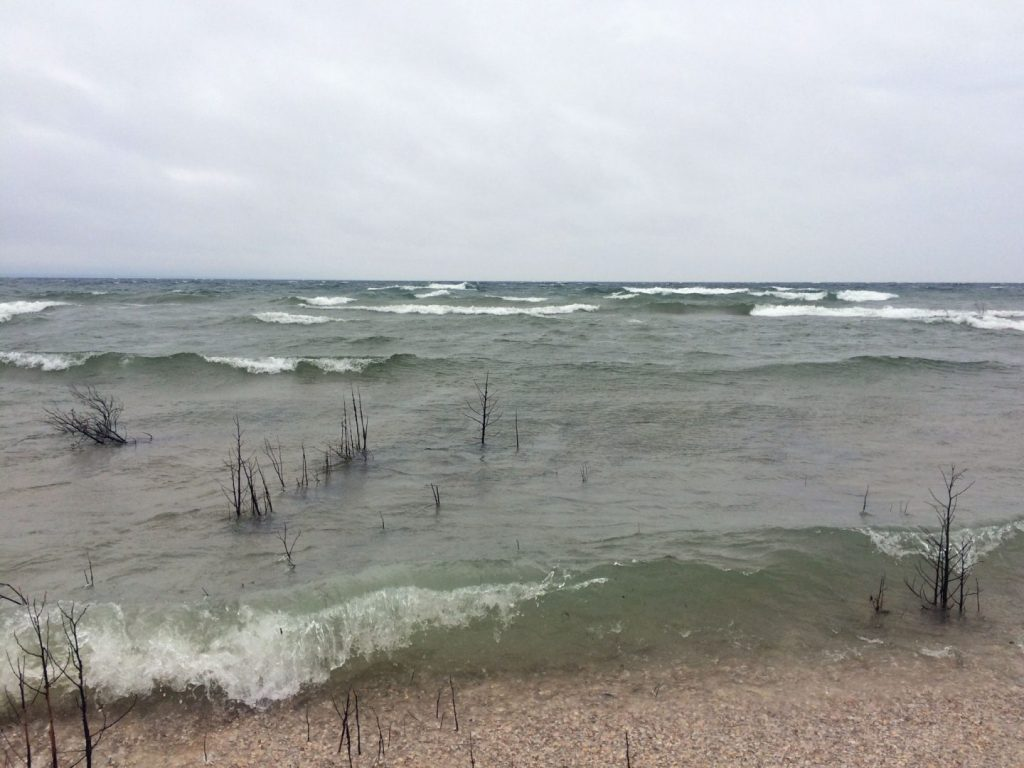 seul-choix-lighthouse-beach-pebbles-waves